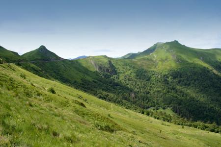 monts-cantal.jpg